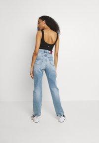 Tommy Jeans - JULIE - Straight leg jeans - denim light - 2