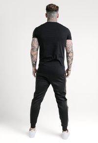 SIKSILK - ASTRO GYM TEE - Basic T-shirt - black - 2