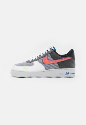 AIR FORCE 1 '07 UNISEX - Sneakersy niskie - white/sport red/grey/electric green/game royal/black