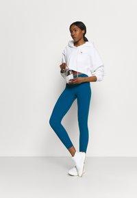 Sweaty Betty - POWER WORKOUT 7/8 LEGGINGS - Leggings - teal blue - 1