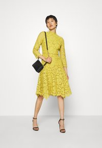 IVY & OAK - DRESS - Cocktail dress / Party dress - mustard yellow - 1