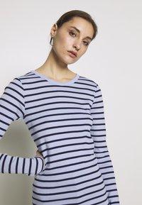 GAP - CREW - Topper langermet - blue stripe - 4