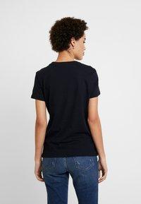 Tommy Hilfiger - Camiseta básica - desert sky - 2