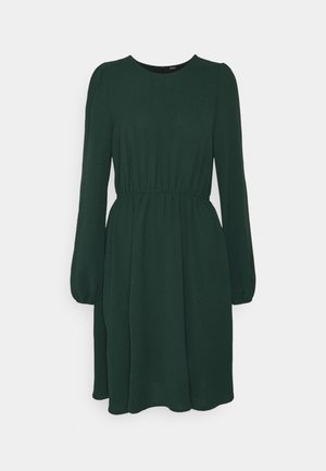 ONLMETTE O NECK - Denní šaty - ponderosa pine