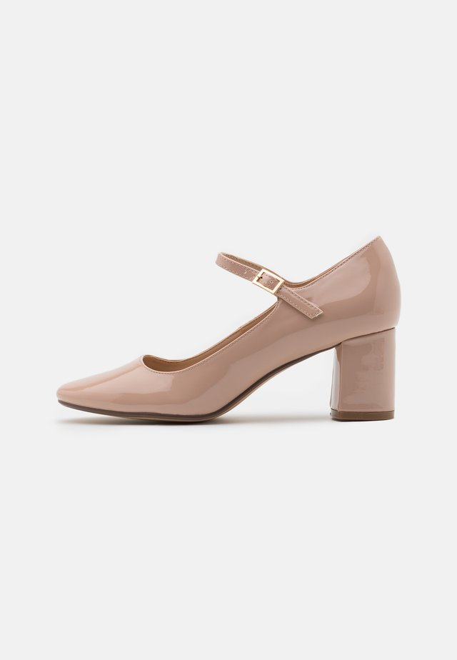 WIDE FIT DERRY COURT - Klassiske pumps - nude