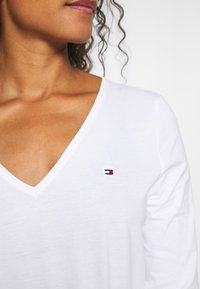 Tommy Hilfiger - CLASSIC - Long sleeved top - white - 4