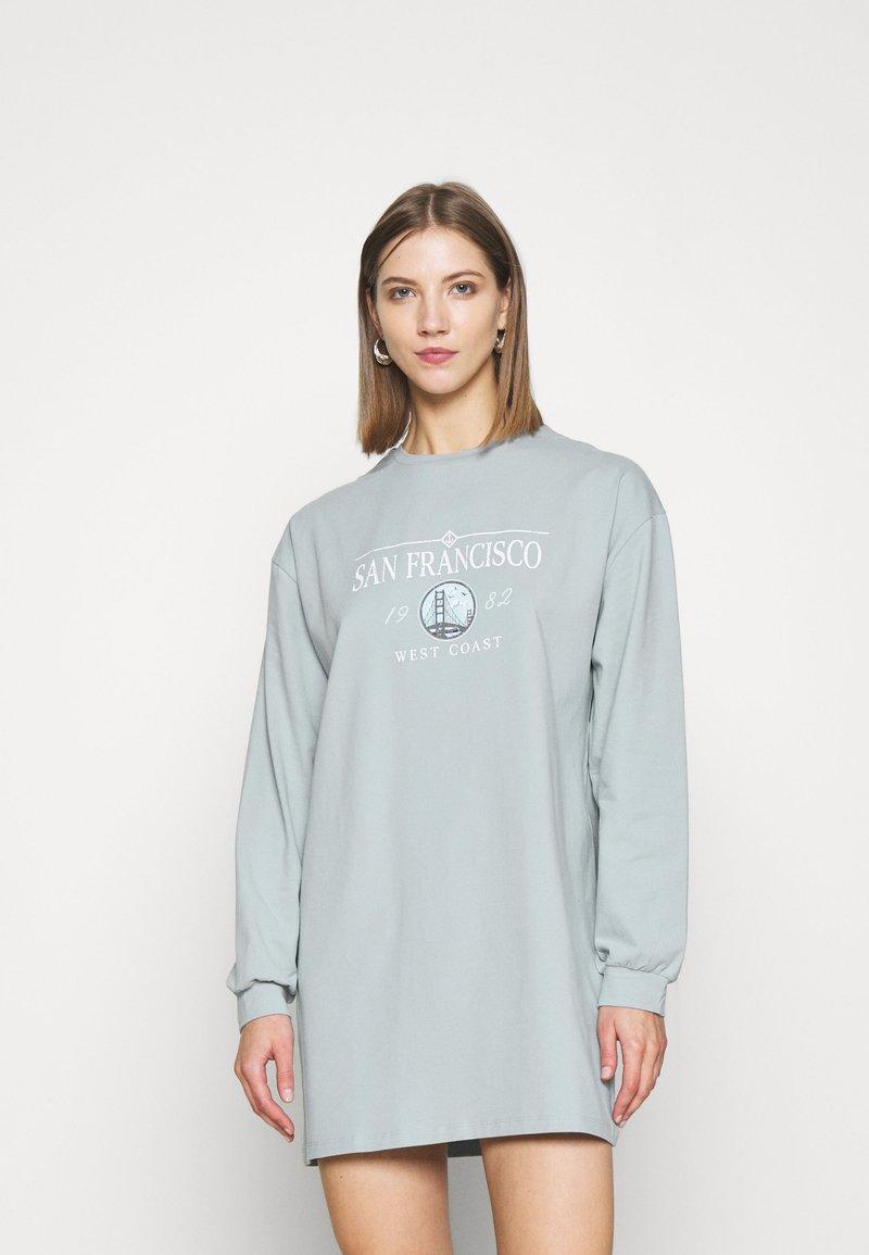 Miss Selfridge - LONGLINE SAN FRAN SLOGAN OVERSIZED TEE - Pyjama top - blue