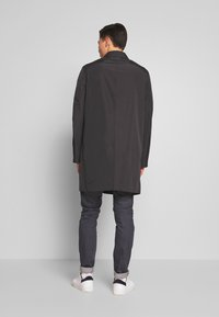 Calvin Klein Tailored - COMPACT NYLON COAT - Wollmantel/klassischer Mantel - black - 2