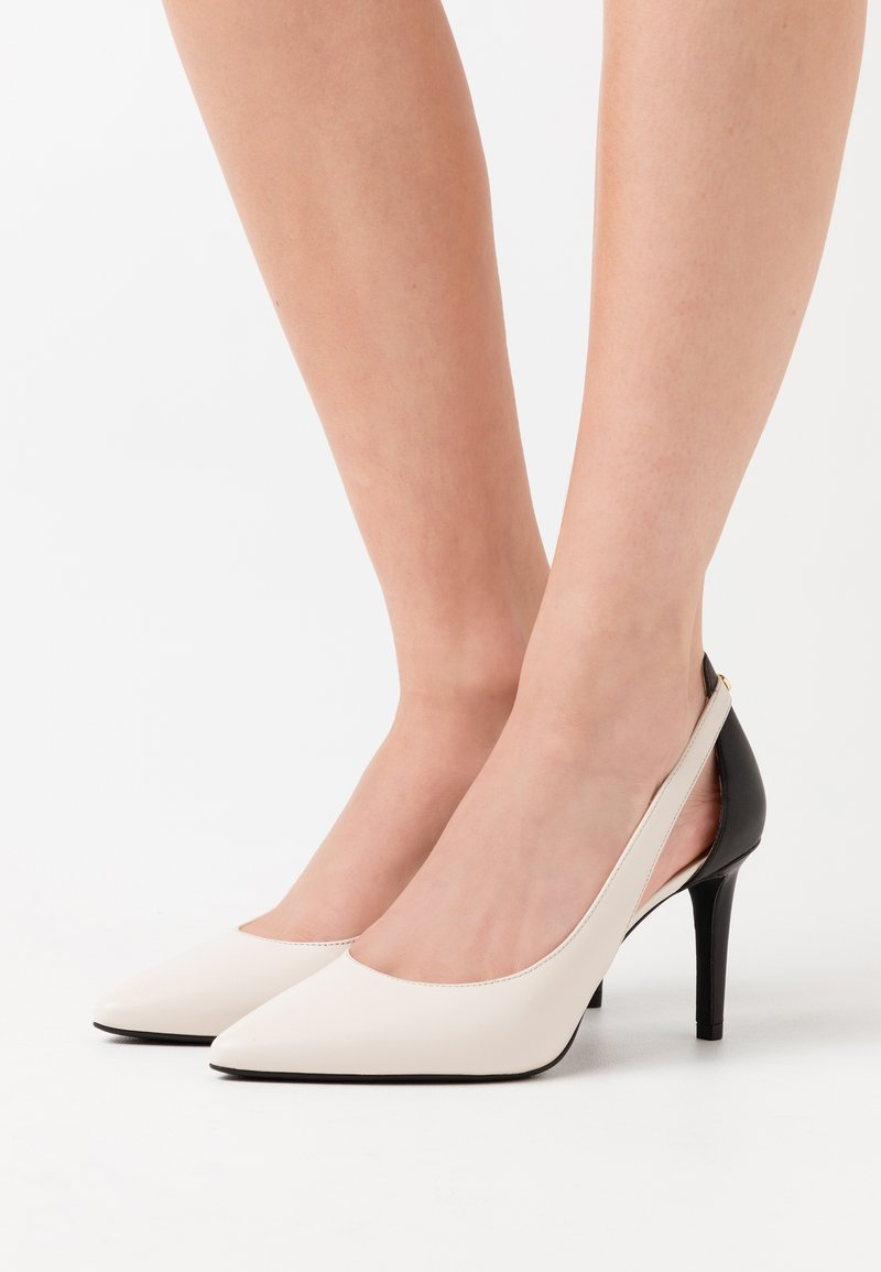 MICHAEL Michael Kors - CERSEI FLEX MID - Escarpins à talons hauts - light cream