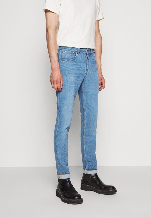 SLIMMY TAPERED - Jeans fuselé - light blue