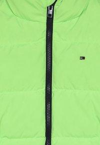 Tommy Hilfiger - PUFFER JACKET - Down jacket - green - 4