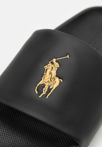 Polo Ralph Lauren - CAYSON  - Pantofle - black/gold - 5