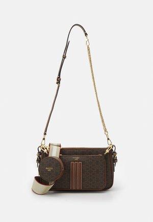 DEENAH MINIBAGS SET - Håndtasker - brown