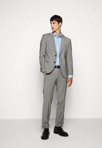 HUGO - KOEY - Formal shirt - light/pastel blue - 1