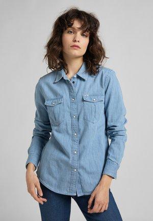REGULAR WESTERN  - Button-down blouse - summer blue