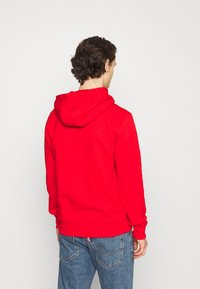 Tommy Jeans - LINEAR LOGO HOODIE UNISEX - Sweat à capuche - red - 2