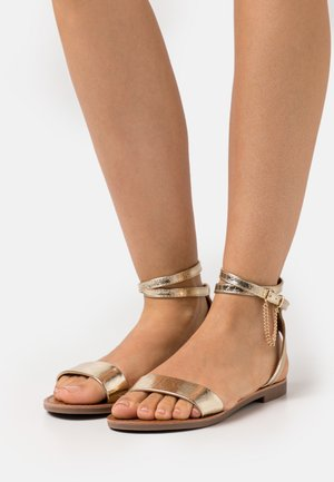 ONLMELLY CHAIN  - Sandals - gold