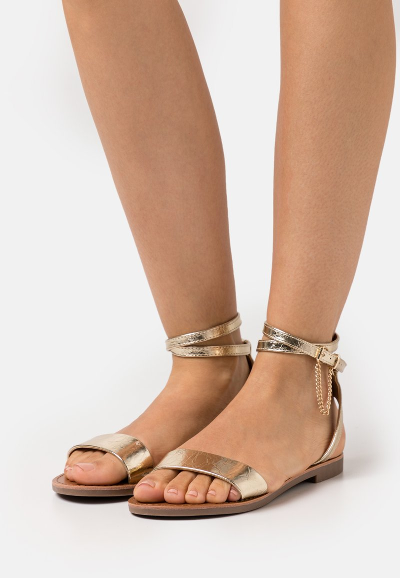 ONLY SHOES - ONLMELLY CHAIN  - Sandals - gold