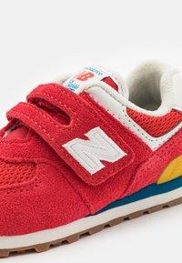 New Balance - IV574HA2 - Trainers - red - 5