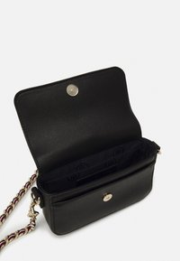 Tommy Hilfiger - CLUB MINI CROSSOVER - Across body bag - black - 2