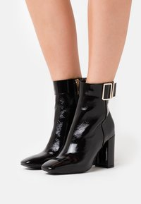 Tommy Hilfiger - SQUARE TOE BOOT - High heeled ankle boots - black - 0