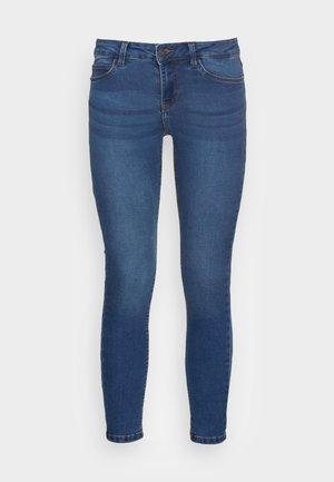 NMLUCYMW SKINNY - Skinny džíny - medium blue denim