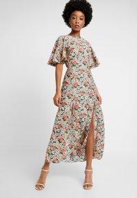 Topshop - AUSTIN DAISY - Vestido largo - multi-coloured - 0