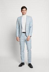 Viggo - ESPOO SUIT SET - Kostym - baby blue - 1