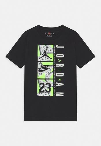 TRIPLE THREAT - T-Shirt print - black
