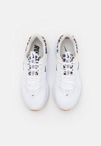 Nike Performance - REACT ESCAPE - Zapatillas de running neutras - white/black/light bone/wheat/light brown - 3
