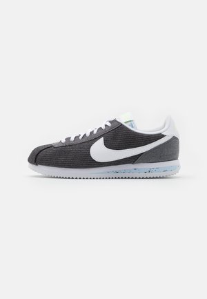 CORTEZ BASIC PRM UNISEX - Trainers - iron grey/white/barely volt/celestine blue
