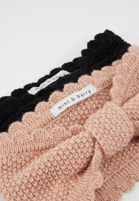 mint&berry - 2 PACK - Ear warmers - black/rose - 4