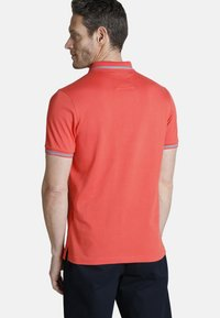 Charles Colby - RHYS - Polo shirt - red - 1