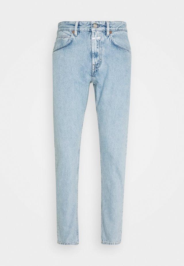 COOPER TAPERED - Jeans fuselé - light blue