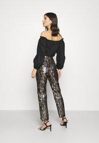 Fashion Union - DISA TROUSER - Pantalon classique - gold - 2