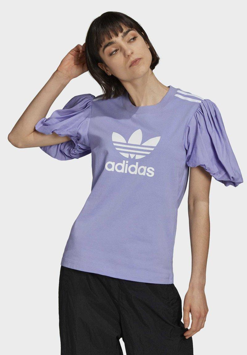 adidas Originals - Print T-shirt - light purple