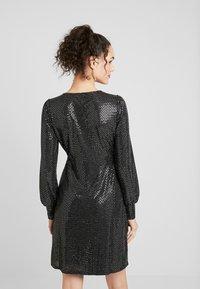 Vero Moda - VMDARLING SHORT DRESS - Jerseykjole - black/silver - 2