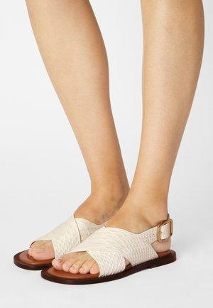 SINGLE CRISS CROSS - Sandals - white