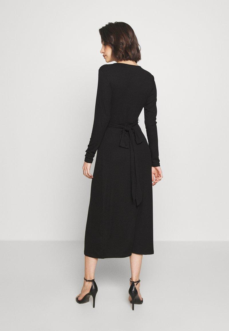 Good American - SOLID WRAP DRESS - Robe d'été - black