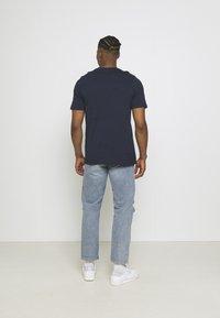 adidas Originals - GRAPHIC - T-shirt imprimé - legend ink - 2