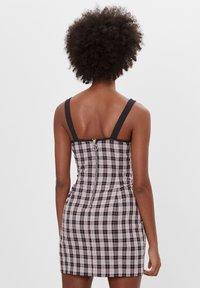 Bershka - MIT KAROPRINT - Denní šaty - black - 2