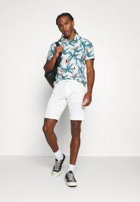 Esprit - Shorts - off-white - 1