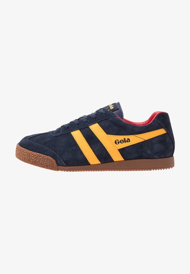 HARRIER - Trainers - navy/sun/red