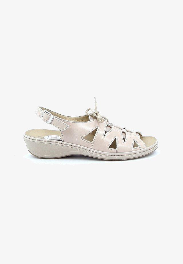 ROCOCO - Sandalen met sleehak - beige