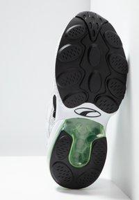 Puma - CELL ALERT - Sneakersy niskie - white/black - 4