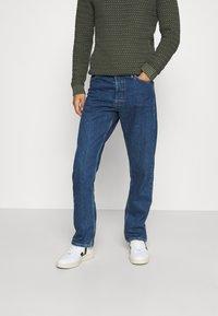 Jack & Jones - JJICHRIS JJORIGINAL - Straight leg jeans - blue denim - 0