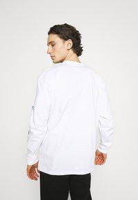 Carhartt WIP - SCREW - Long sleeved top - white - 2