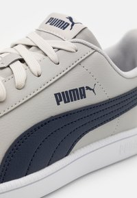 Puma - UP UNISEX - Trainers - gray violet/peacoat/white - 5