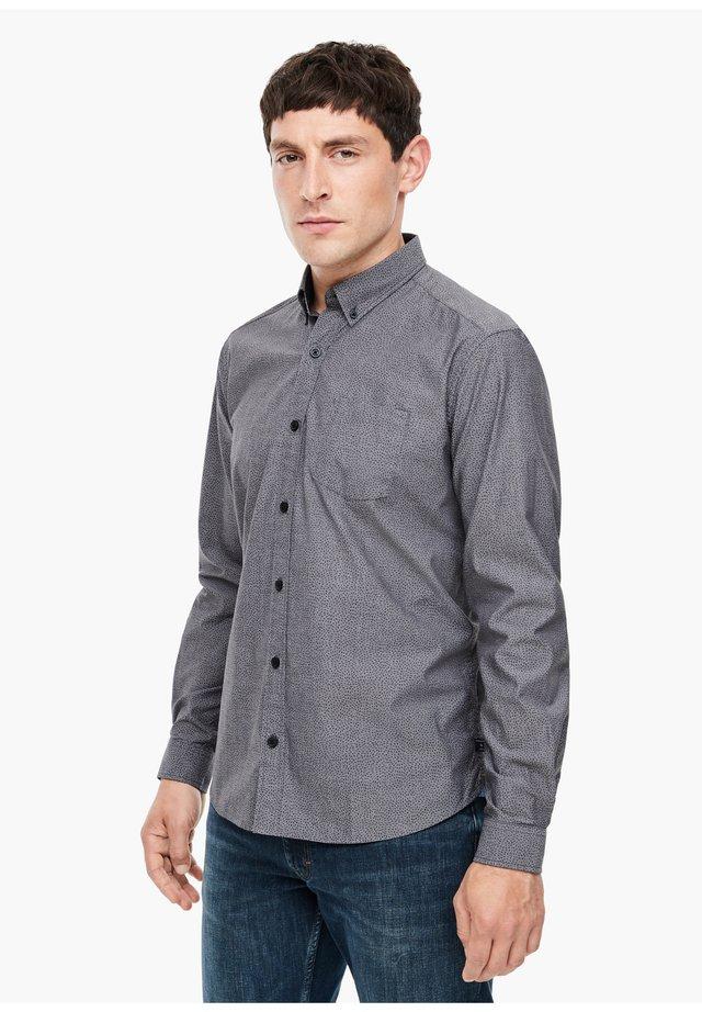 MIT WEBSTRUKTUR - Shirt - grey aop