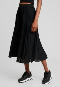 Weekday - VALENTINE PLEATED SKIRT - Pleated skirt - black - 0